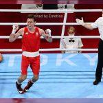 Boxeador festeja con un salto y se lesiona; Se pierde competir por el oro