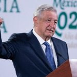 Pide López Obrador a empresas «arropar» la reforma eléctrica