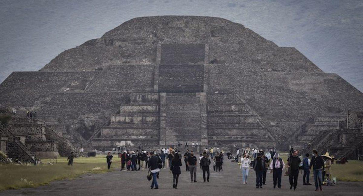SAN JUAN TEOTIHUACÁN, ESTADO DE MÉXICO, 10SEPTIEMBRE2020.- Fue reabierta la zona Arqueológica de Teotihuacán después de más de seis meses de permanecer cerrada al público debido a la emergencia sanitaria por la pandemia de covid-19. Poca afluencia de visitantes se observaron en su primer día de actividades durante la nueva normalidad. FOTO: MARIO JASSO /CUARTOSCURO.COM