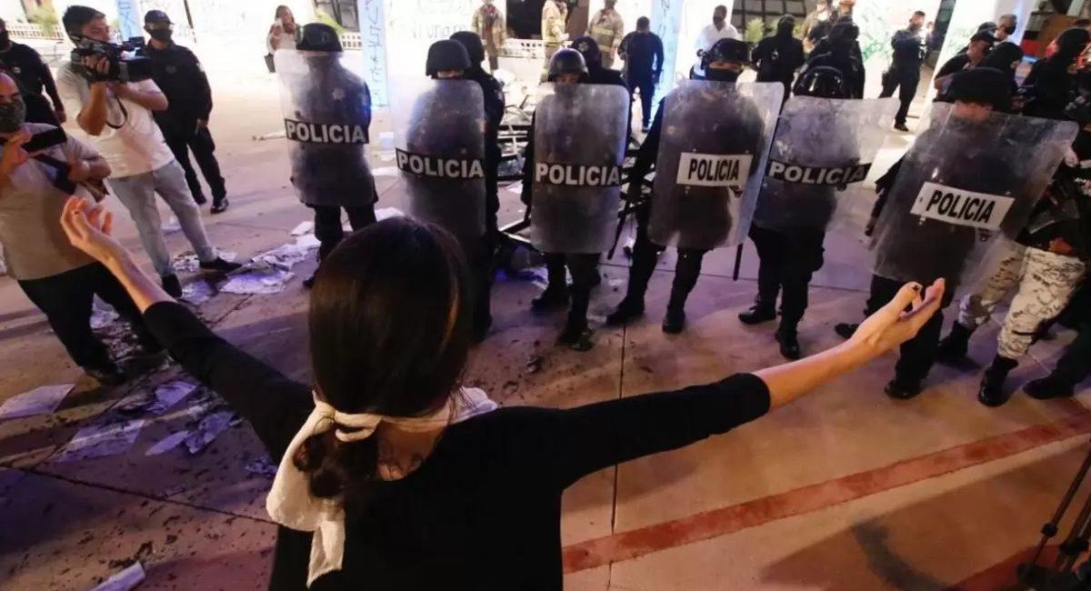 manifestación cancun policia