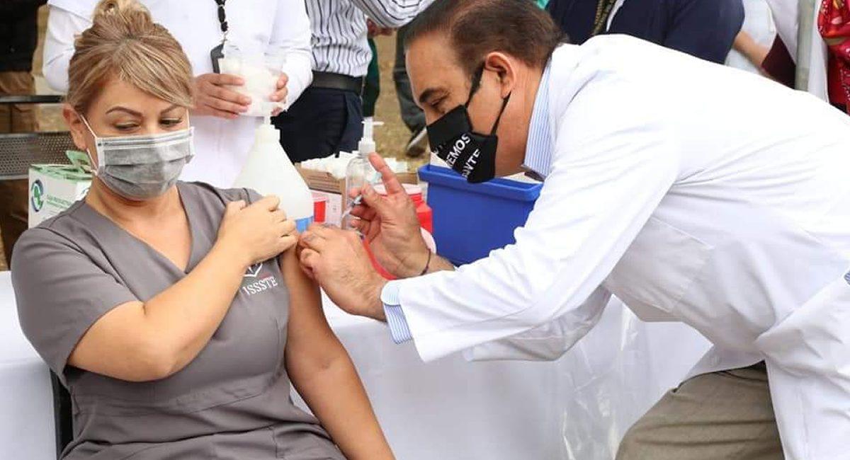 vacunacion medicos nl