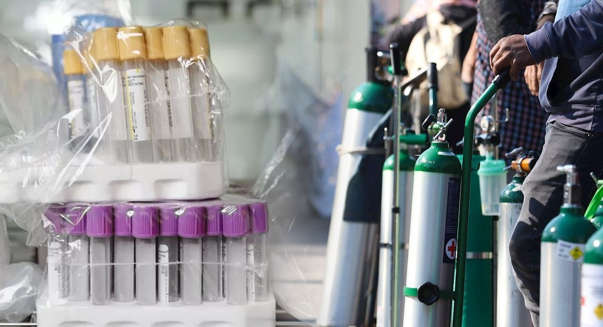vacunas falsas - tanques de oxigeno